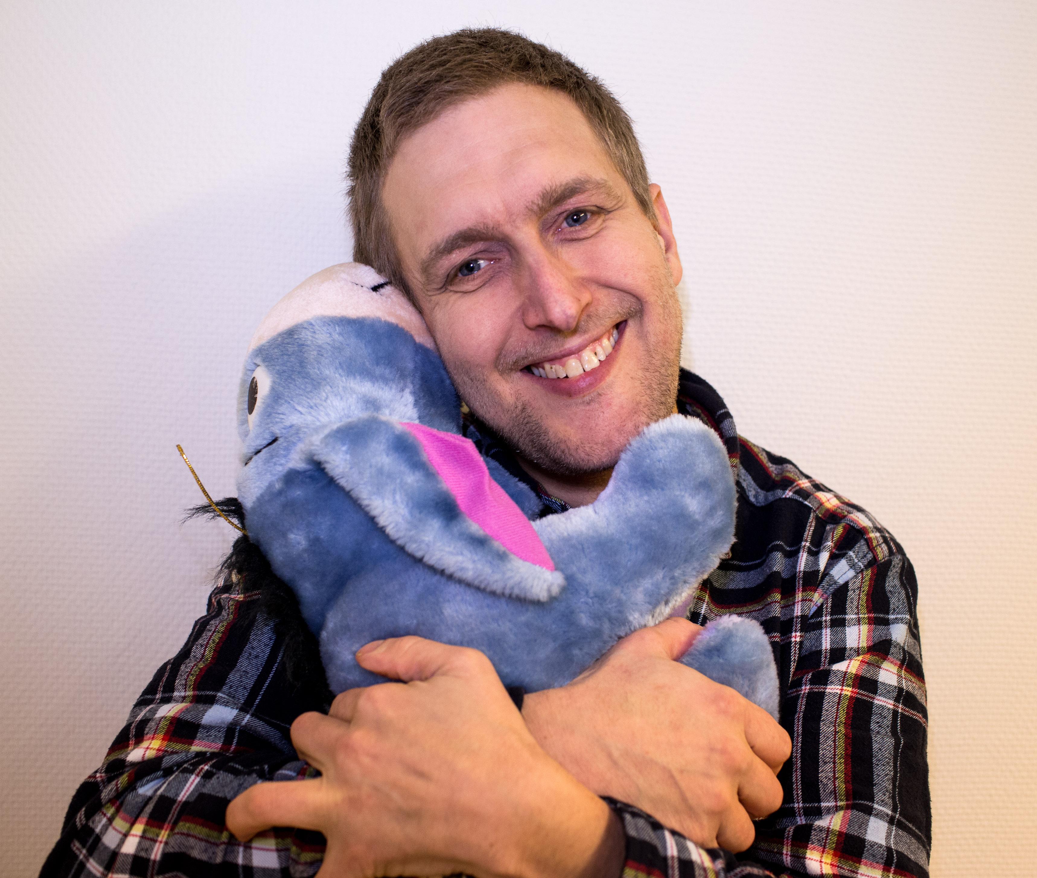 Christer Eklund med gosedjur